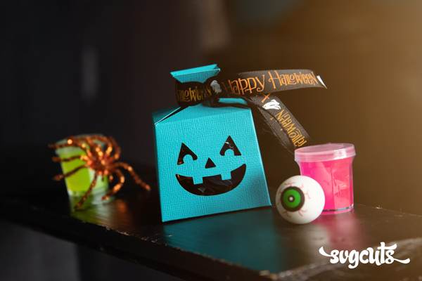 teal-pumpkin-freebie-svgcuts